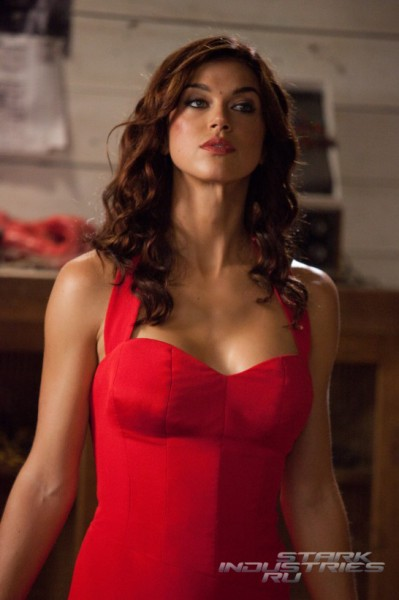 Adrianne Palick red dress Gi Joe 2