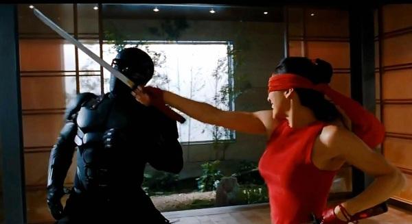 gi-joe-retaliation-babe-sword-fight