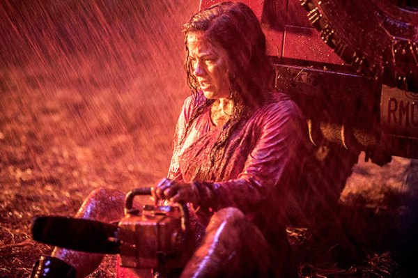 Evil Dead chainsaw Jane Levy