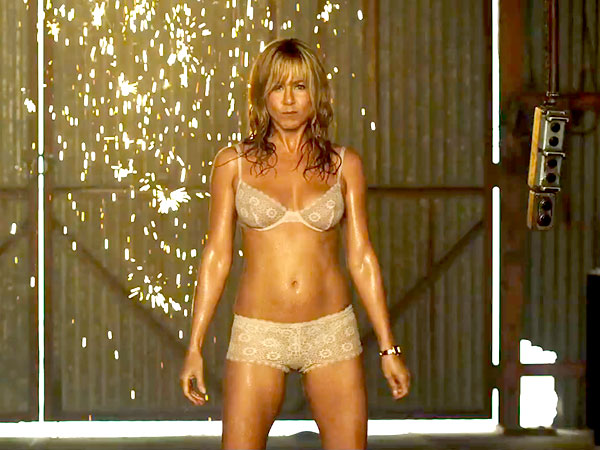 We're The Millers Jennifer Aniston dancing