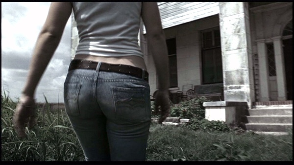 texas-chainsaw-massacre-remake-jessica-biel-butt-jeans