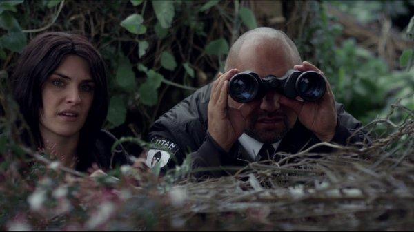 Binoculars-0-800-0-450-crop