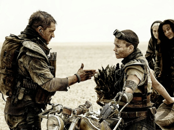 635560680919636292-MAD-MAX-FURY-ROAD-MOV-jy-1019-
