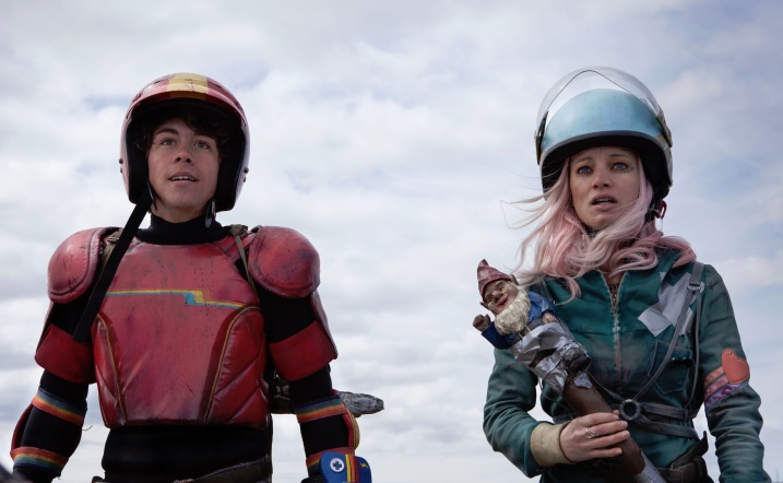 Munro-Chambers-Laurence-Leboeuf-in-Turbo-Kid