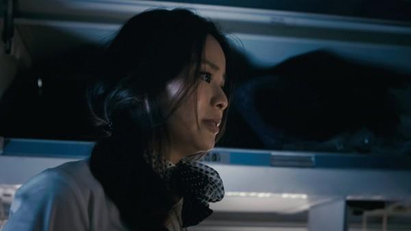 jamie-chung-in-7500-2012b