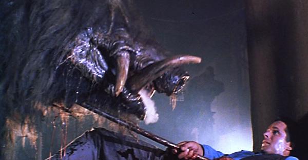razorback-1984-ending-carl-vs-boar-pig-g